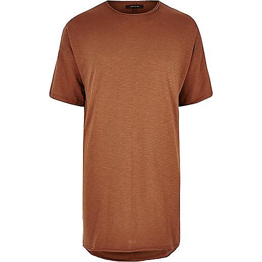 Rostrotes, langes T-Shirt