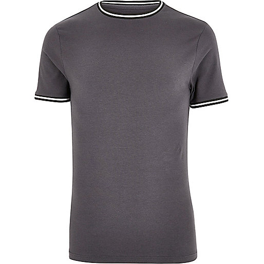 Dunkelgraues, sportliches Muscle-T-Shirt