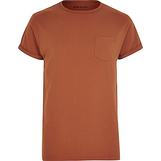 T-Shirt in Tasche in Dunkelorange