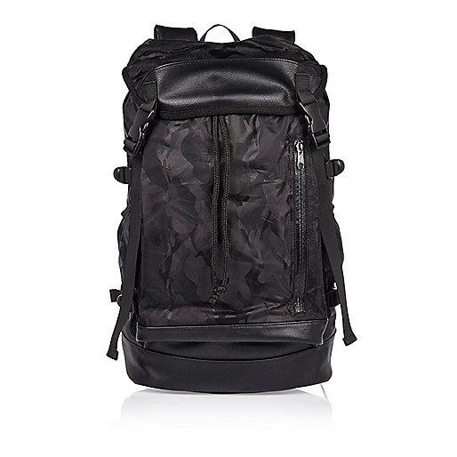 Black camo drawstring backpack