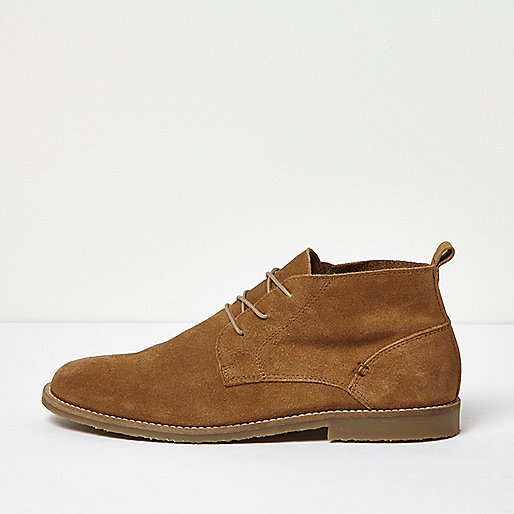 Brown relaxed suede desert boots