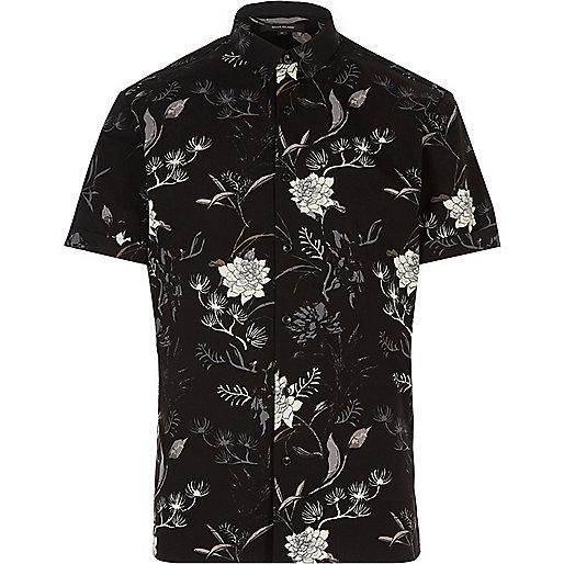 Schwarzes, schmales Hemd mit orientalischem Muster