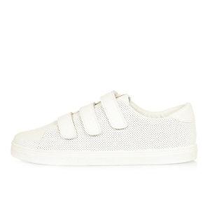 Weiße, perforierte Sneaker mit Klettverschluss