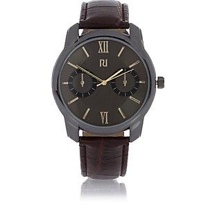 Braune, klassische Uhr