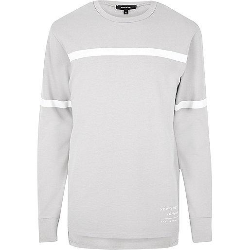 Graues gestreiftes Sweatshirt