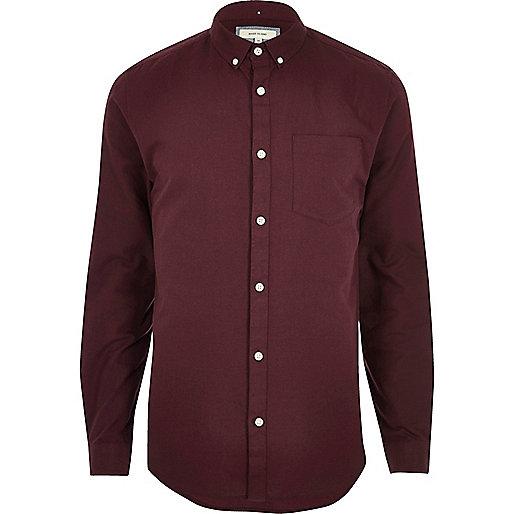 Beerenrotes, schmales Oxford-Hemd