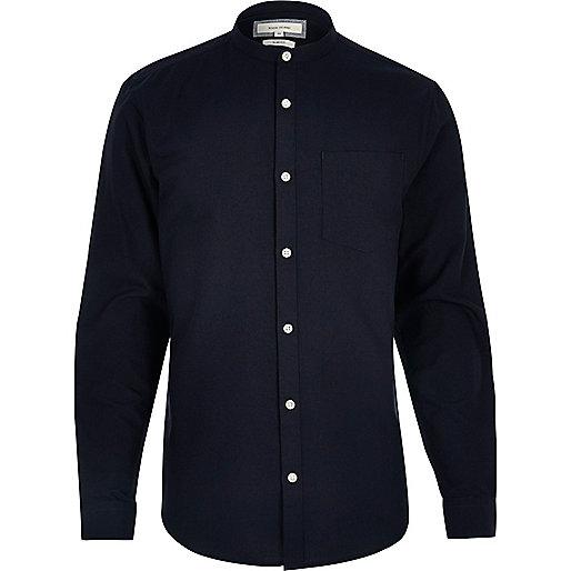 Marineblaues, schmales Oxford-Hemd mit Grandad-Kragen