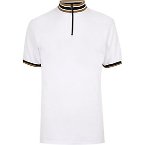 White stripe turtle neck t-shirt