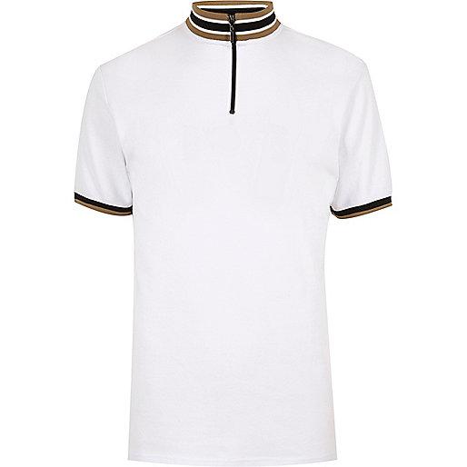 Weißes, gestreiftes T-Shirt mit Rollkragen