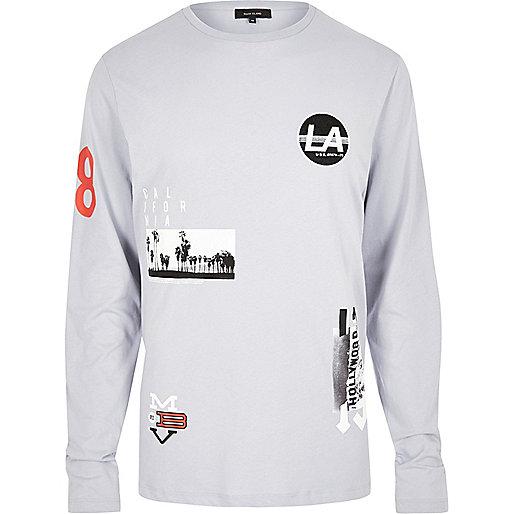 T-shirt gris à écussons et manches longues
