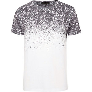 White splattered shoulder print T-shirt