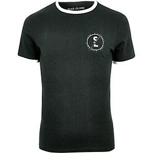 T-shirt vert cintré à bords contrastants