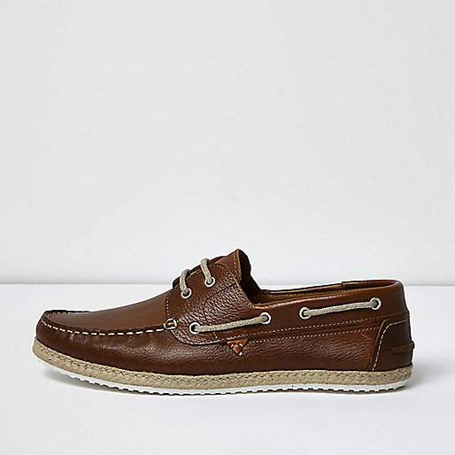 Brown leather jute boat shoes