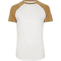 Figurbetontes T-Shirt in Weiß und Gelb