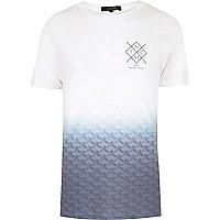 Weißes T-Shirt mit verblichenem Print
