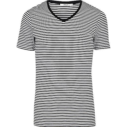Jack & Jones – Schwarzes, gestreiftes T-Shirt mit V-Ausschnitt