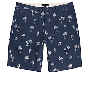 Blue palm tree print chino shorts