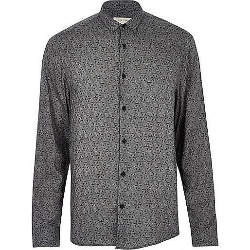Schwarzes, langärmeliges Hemd mit Geomuster