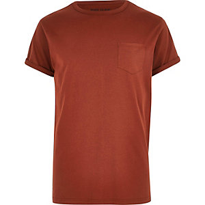 Dark red chest pocket T-shirt