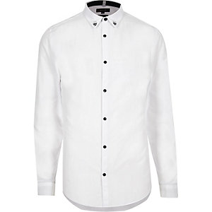 White skull collar slim fit shirt