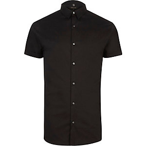 Black muscle fit short sleeve shirt