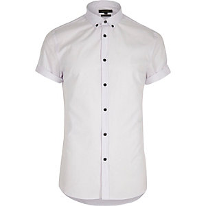 White casual slim fit short sleeve shirt
