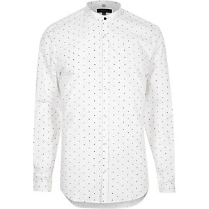 White dot print slim fit wing collar shirt