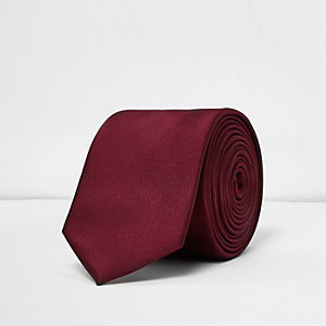 Deep red smart tie