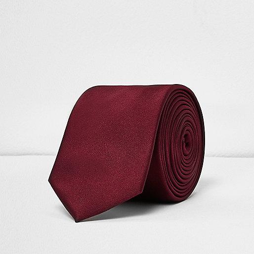 Cravate rouge profond habillée