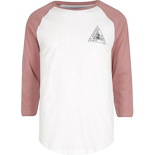 T-shirt à manches raglan blanc et rouge imprimé triangles