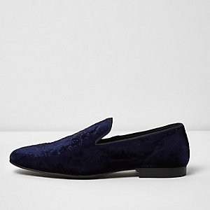 Marineblaue Slipper