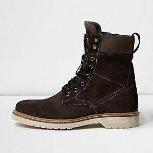 Grey suede Eskimo boots