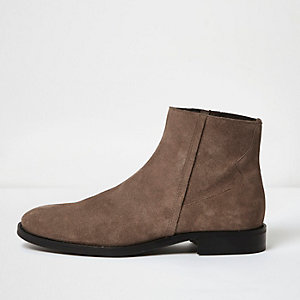 Stone leather seam boots