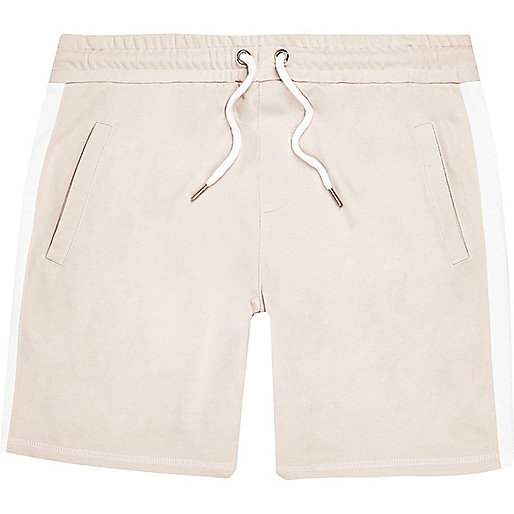 Gestreifte Shorts in Ecru