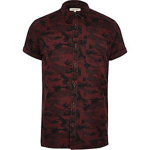 Chemise manches courtes à imprimé camouflage rouge baie