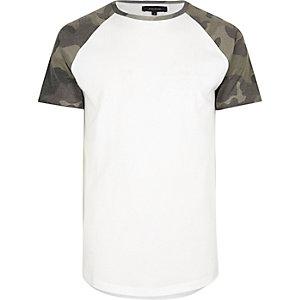 T-shirt imprimé camouflage blanc à manches raglan