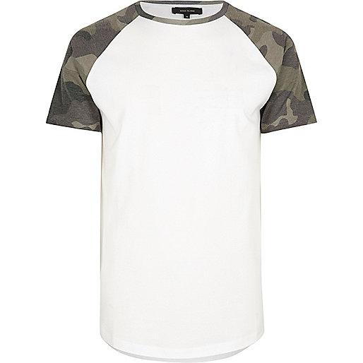 Weißes Raglan-T-Shirt mit Camouflage-Muster