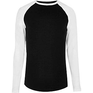 Schwarzes, langärmliges Hemd mit figurbetontem Schnitt