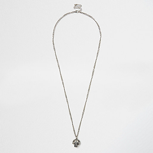 Silver tone skull necklace