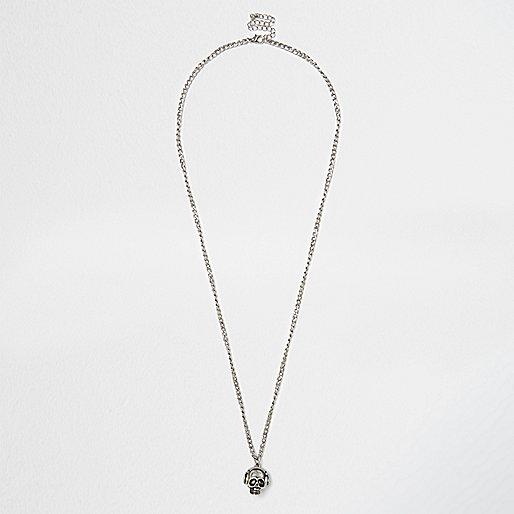 Silver tone skull necklace