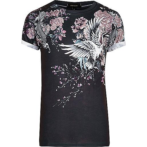 Schwarzes T-Shirt mit asiatischem Blumenmuster