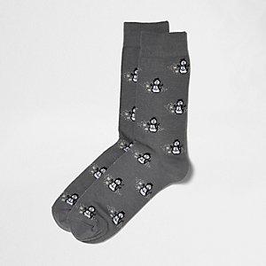 Chaussettes gris foncé imprimé bonhomme de neige