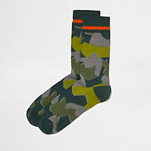 Green camo ankle socks