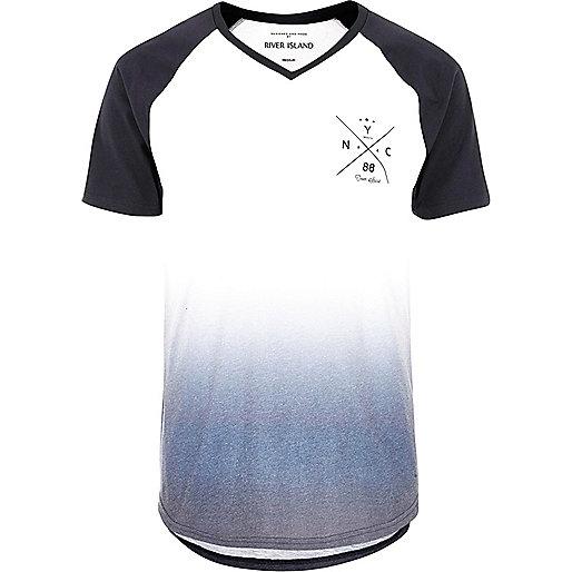 T-shirt blanc imprimé NYC délavé à manches raglan