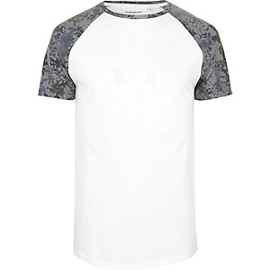 White textured camo raglan T-shirt