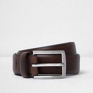 Brauner Gürtel im Leder-Look