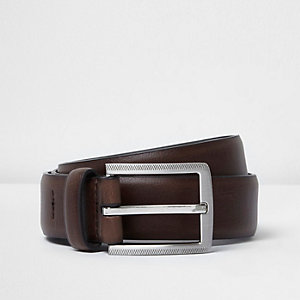 Brown leather look belt