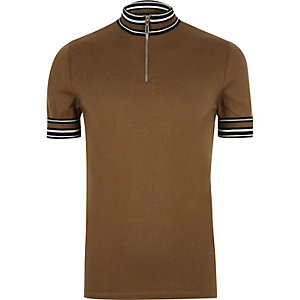 Brown stripe turtleneck T-shirt
