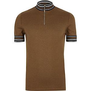 T-shirt rayé marron à col roulé