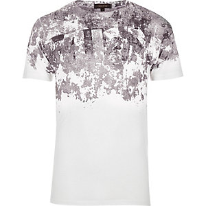 White cracked shoulder print T-shirt